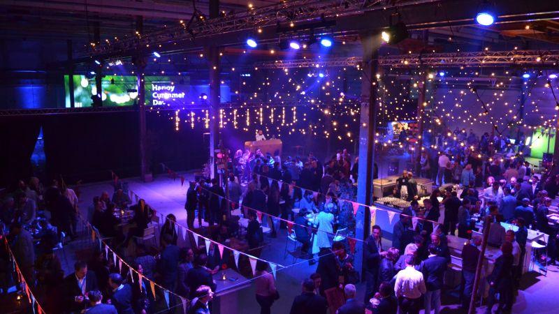 DLL Group feest in festival stijl